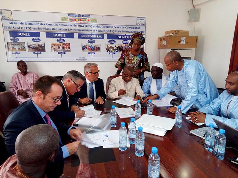 Signature Contrat additif Sambangalou