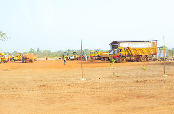 L'OMVG et le Groupement d'Entreprises VINCI-ANDRITZ visitent le site de Sambangalou